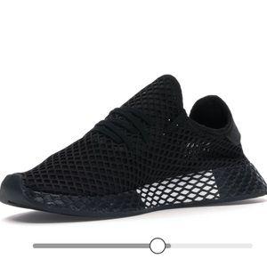 Adidas Deerupt in Black